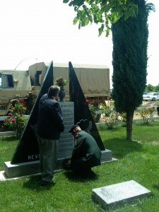 Laying of the wreath and rose 225x300 Antioch Celebrates Memorial Day with Thunder