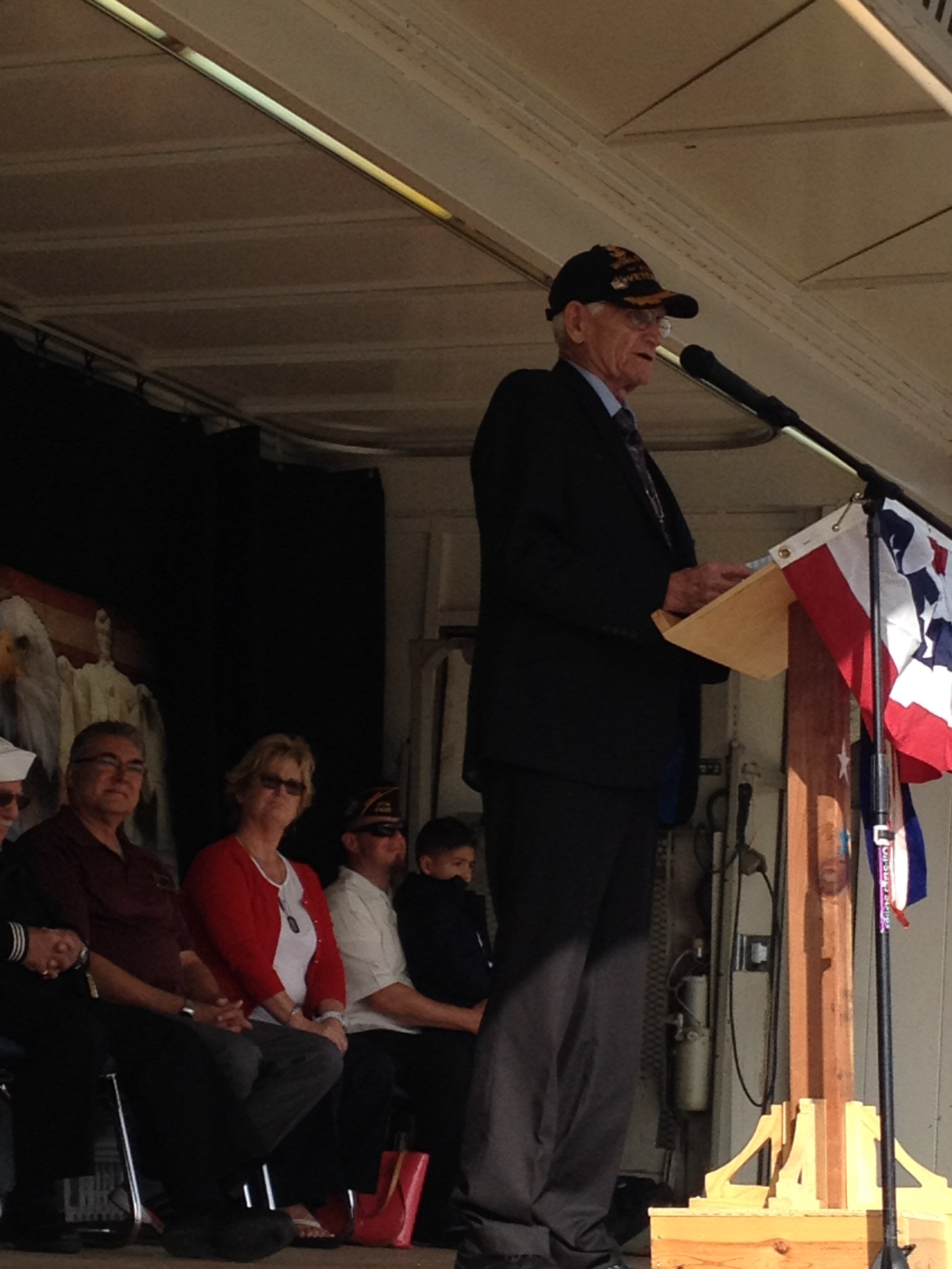 IMG 1055 Antioch commemorates Veterans Day with annual ceremonies, parade, VFW lunch