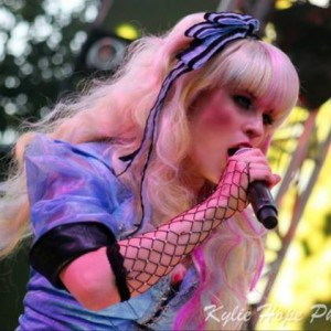 Ashley Morgan as Alice in Mad T Party at Disney California Adventure 300x300 Antiochs Ashley Morgan auditions for The Voice – watch it next week to see if she makes it