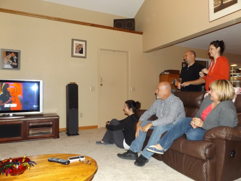 Morgans watch Ashley 1024x768 Antiochs Ashley Morgan advances on The Voice, family, friends watch with excitement