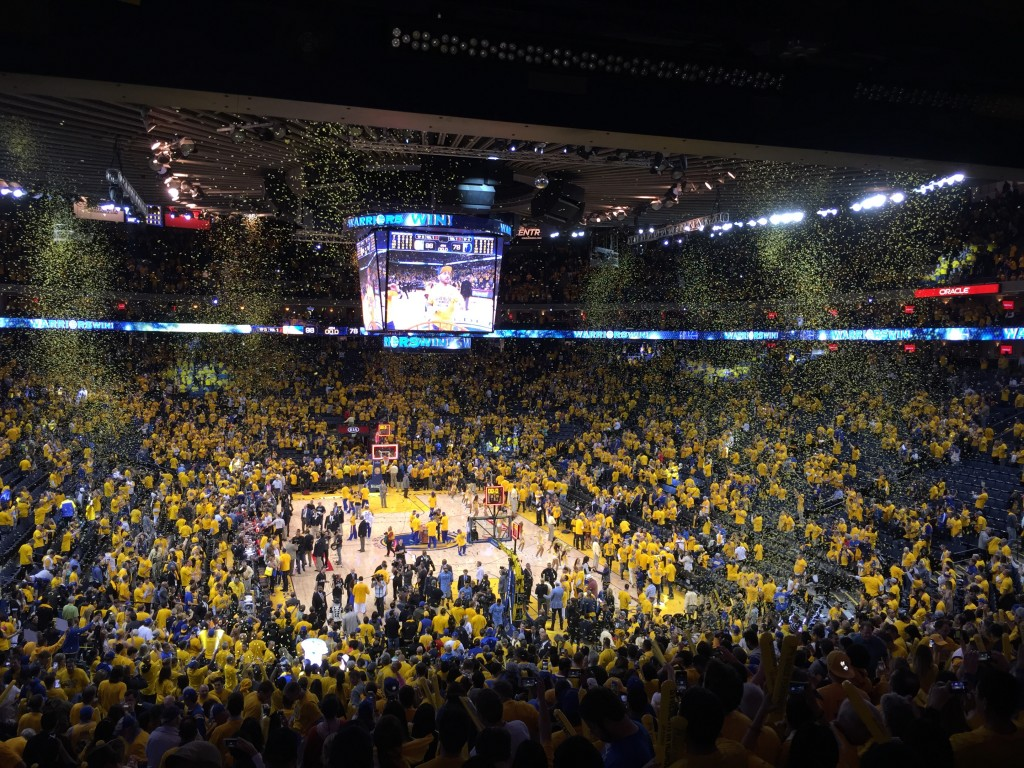 Warriors victory 05 13 15 1024x768 Warriors soar over Grizzlies 98 78 in Western Conference Semi Finals
