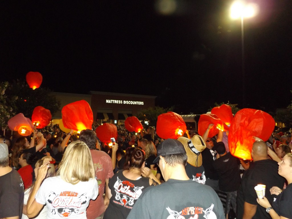 """Lanterns get lit 1024x768 Thousands gather in Antioch to remember Jeremy """"Lumpy"""" Sturgill at candlelight vigil, Friday night"""
