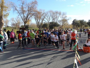 The 3-Mile Run/Walk competitors and participants start the race.