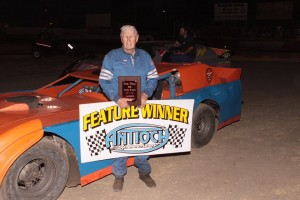 Even at 87 years old, Larry Damitz is still at the head of the pack in Limited late Models. Photo by Paul Gould