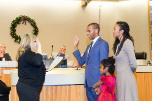 Lamar Thorpe, with his wife Pat and their daughter Kennedy by his side, was given his oath of office by Supervisor-elect Diane Burgis. Photo by Michael Pohl.
