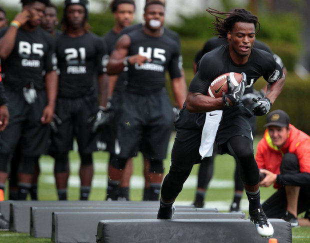 Antioch High running back Najee Harris practices for Saturday's U.S. Army All-American Bowl in San Antonio, TX on Tuesday, January 3, 2016. photo by OregonLive.com
