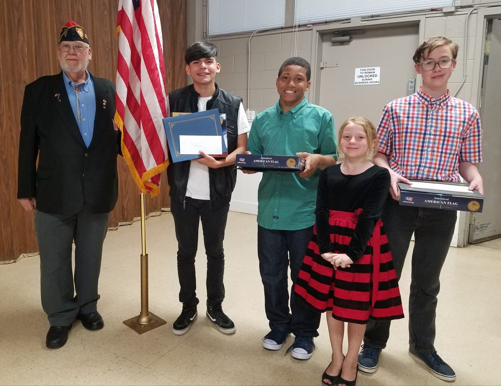 fleet reserve association essay contest Back fleet reserve association contest winners: four middle school students from saint andrew's episcopal school have been recognized for their exceptional writing in the 2015-2016 fleet reserve association's (fra) americanism essay contest.