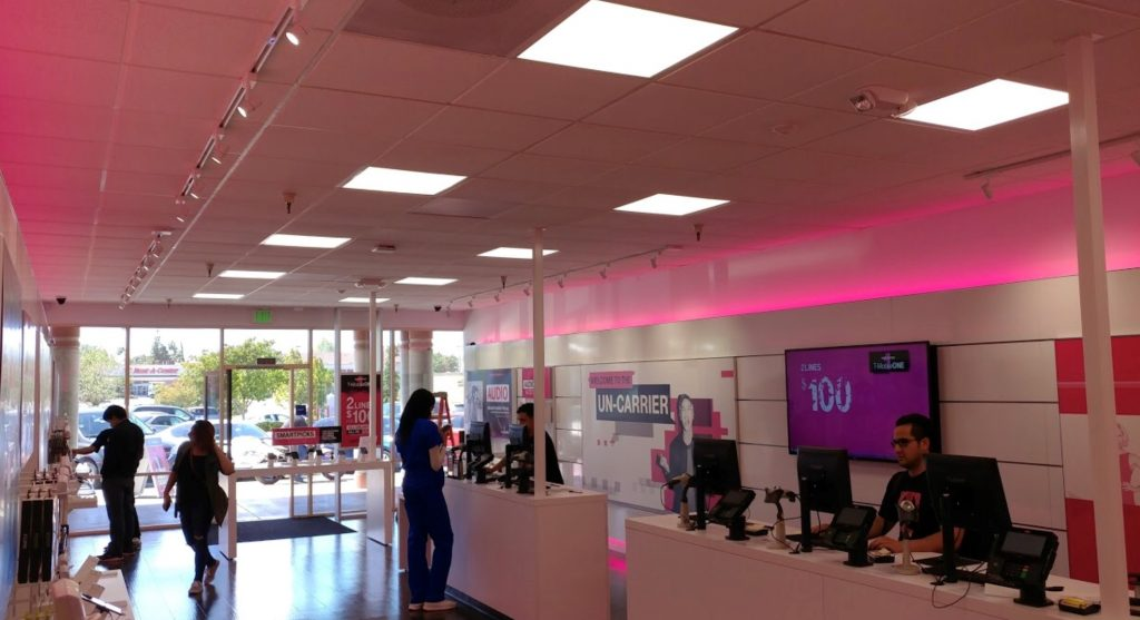 Police Chase Four Suspects In Armed Robbery Of Antioch T Mobile